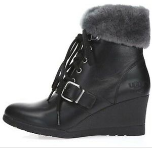 Ugg Janney black leather lace up boots with fur